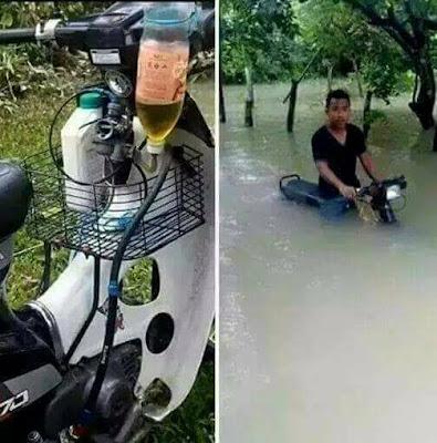 Motor Honda C70 Ini Mampu Menembus Jalanan Banjir  Tanpa Mogok