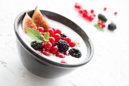 Yogur natural con frutas