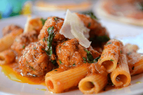 Pasta rigatoni with meatballs
