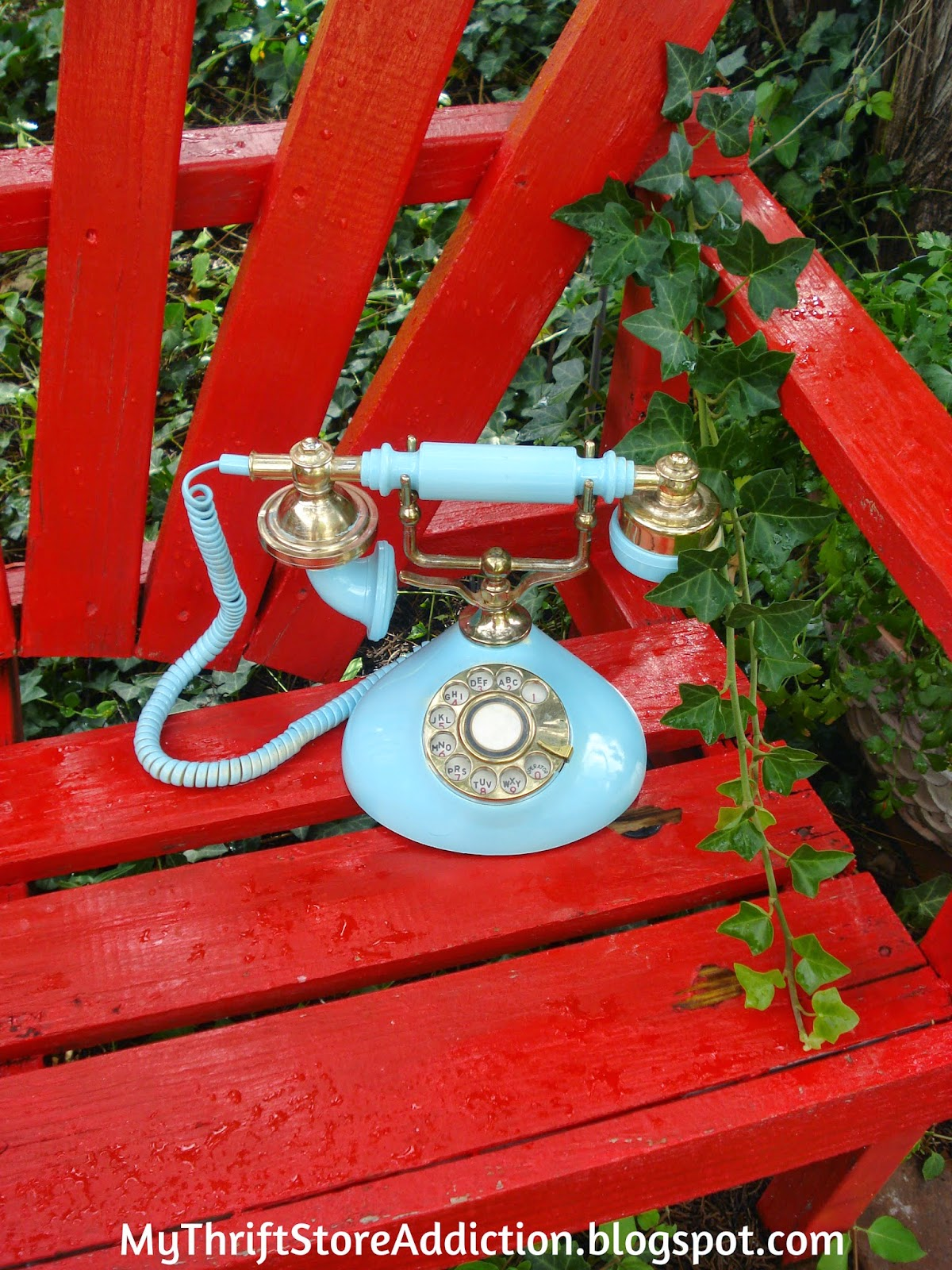 Vintage upcycled phone