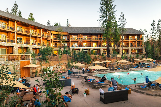 Rushcreek's Yosemite Hotel is a historic resort nestled in the woods in Yosemite National Park. Your go-to Yosemite Hotel for the finest experience.