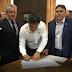 Prefeito Vadico assina convênio para a construção de 21 casas populares em Eldorado-SP