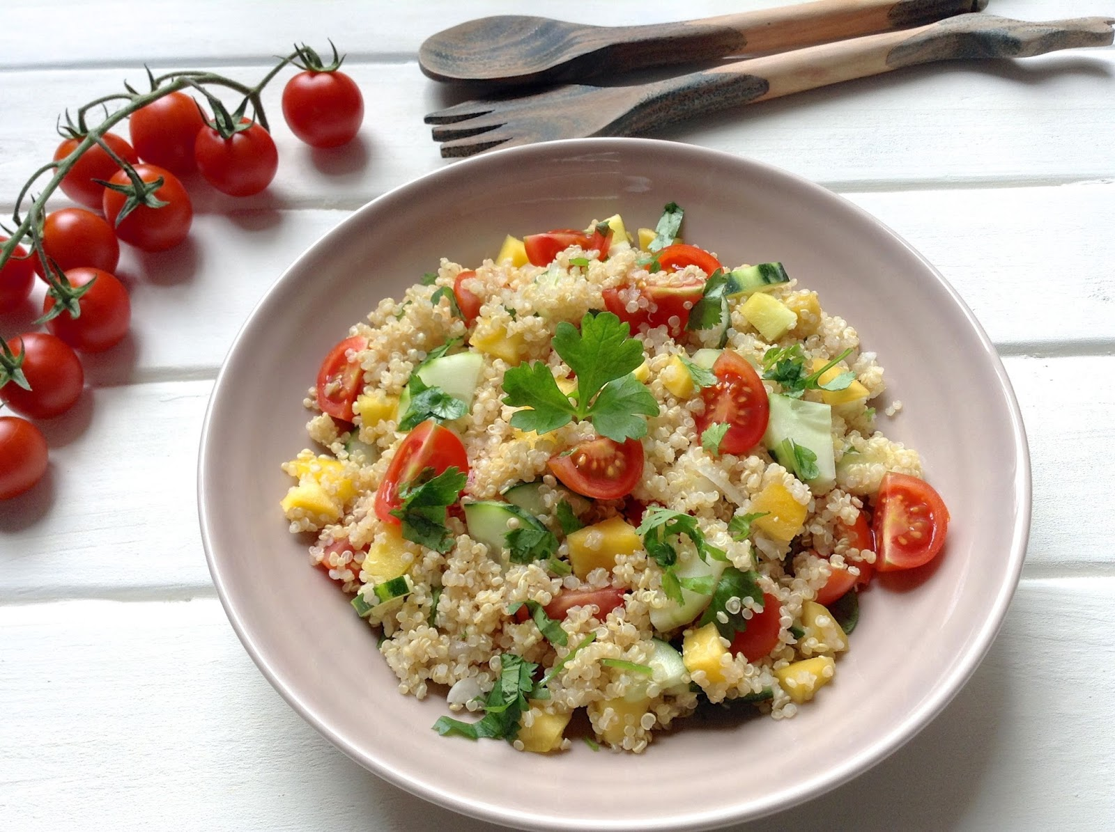 HOY COMEMOS SANO Ensalada vegetariana de Quinoa
