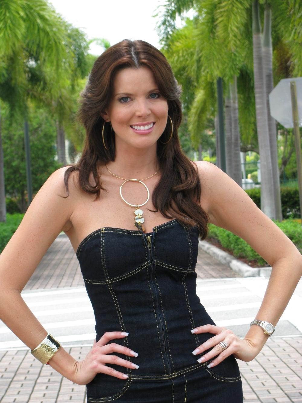 https://i1.wp.com/3.bp.blogspot.com/-ZHMOj8JQmKw/T4cf0KG5b9I/AAAAAAAACSQ/f7NdhqqJ_GU/s1600/Maritza+Rodriguez+vestido+negro.jpg