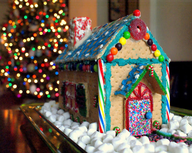 Make your own Graham Cracker Gingerbread House this Christmas!