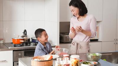 Apakah Boleh Anak laki laki main masak masakan?