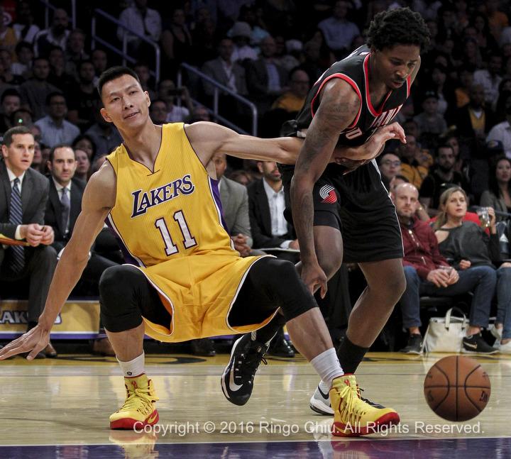 Blazers Vs Lakers: Ringo Chiu Photography