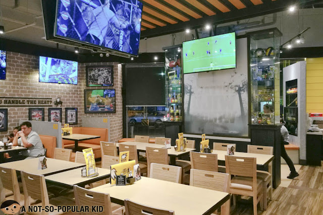 Buffalo Wild Wings Interior
