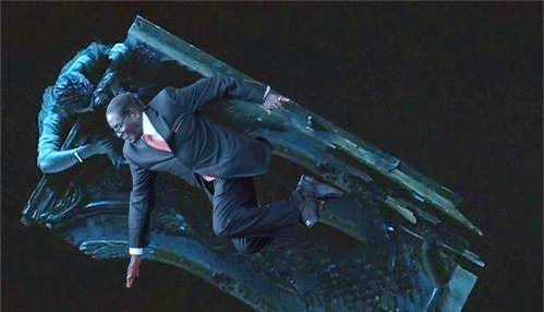 Mugabe takes a fall in touching scene from Titanic with Leonardo Dicaprio via geniushowto.blogspot.com #MugabeFalls memes