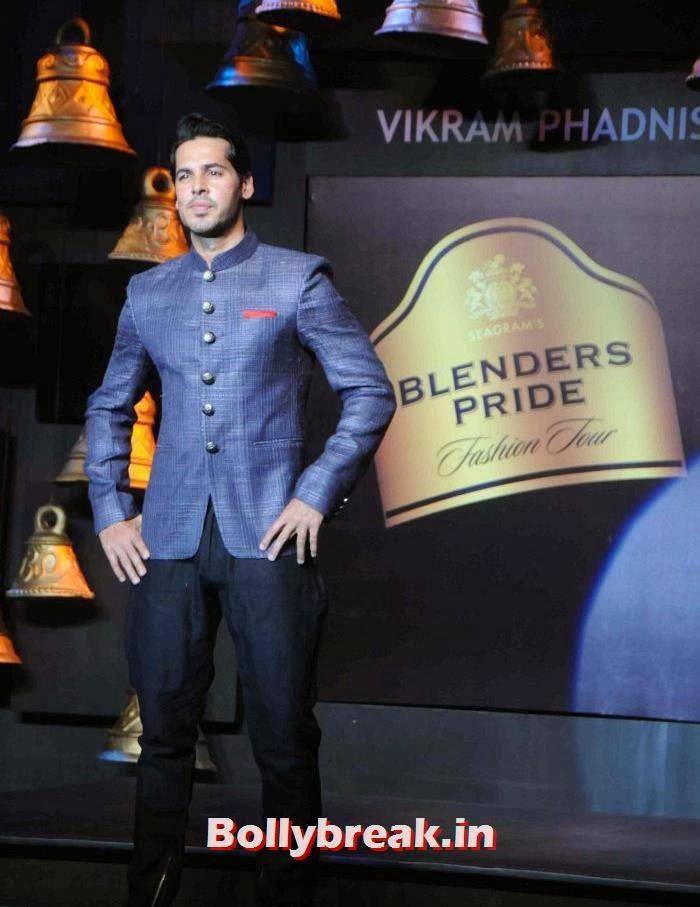 Dino Morea, Models Walk the Ramp for Vikram Phadnis at BPFT 2013
