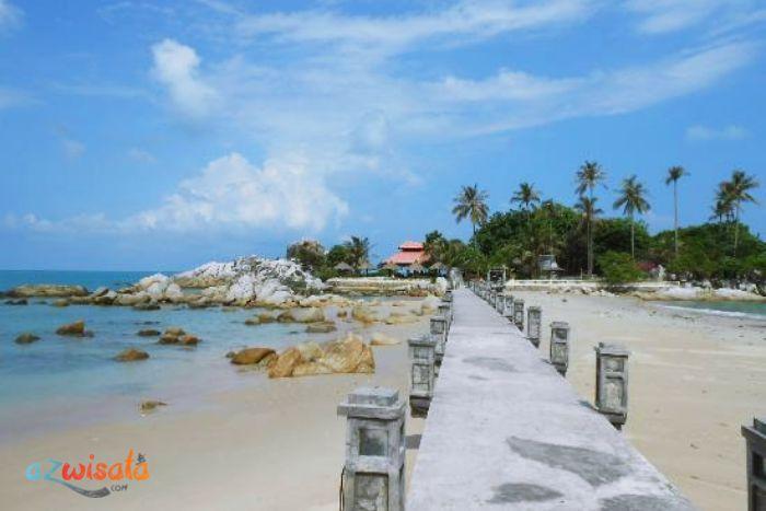 7 Wisata Pantai di Bangka Belitung yang Paling Populer