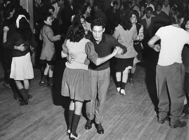 dancing-pachucos-pachucas