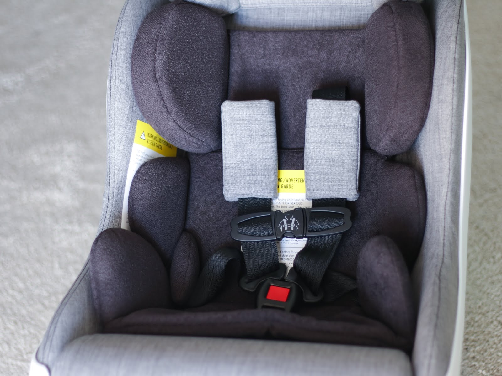 Clek-Foonf-2018-Convertible-Car-Seat-Vivi-Brizuela