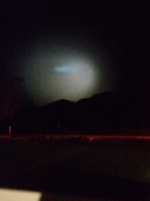 Cell phone image of Strange light in sky at Borrego Springs Nightfall Festival.  later discovered to be missile test (Source: Palmia Observatory)