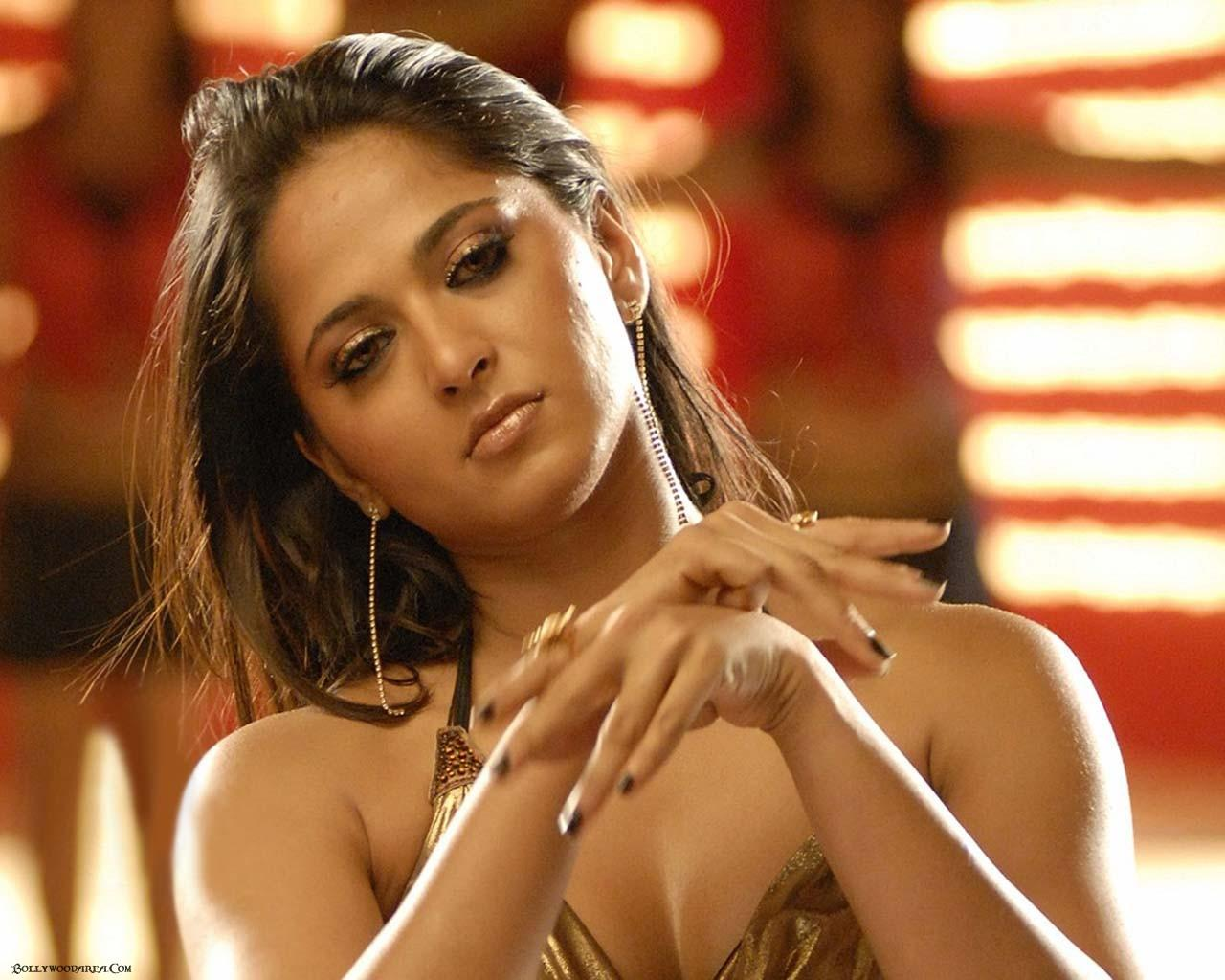 anushka sexy wallpaper