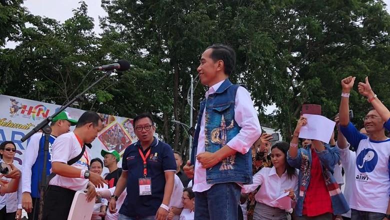 Panitia Alumni Jatim Sesalkan MC Beri Gelar 'Cak-Jancuk' ke Jokowi