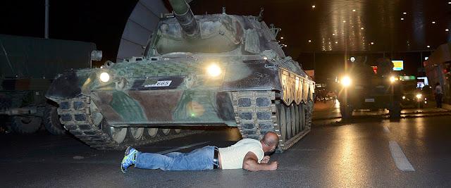 Vídeo Fracasa el Golpe de Estado en Turquía