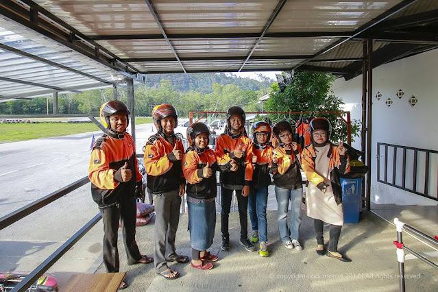 foto bersama tim  GOKART  Marina City Batam