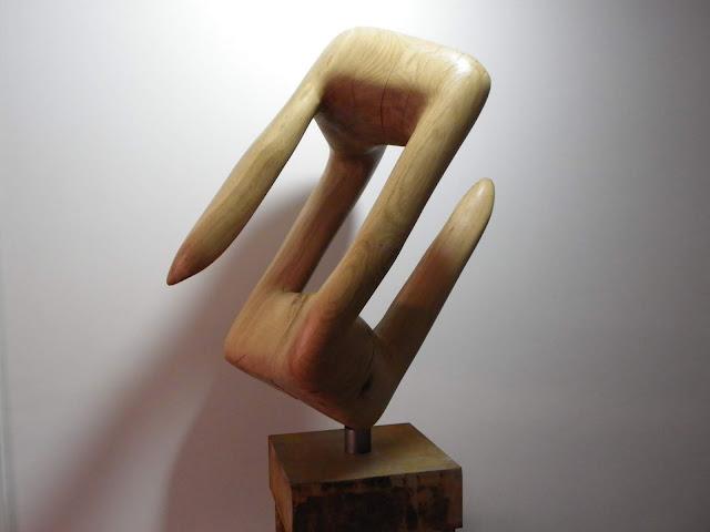 Títol: 69 - Material: Fusta de roure - Alfons Plujà Escriptor