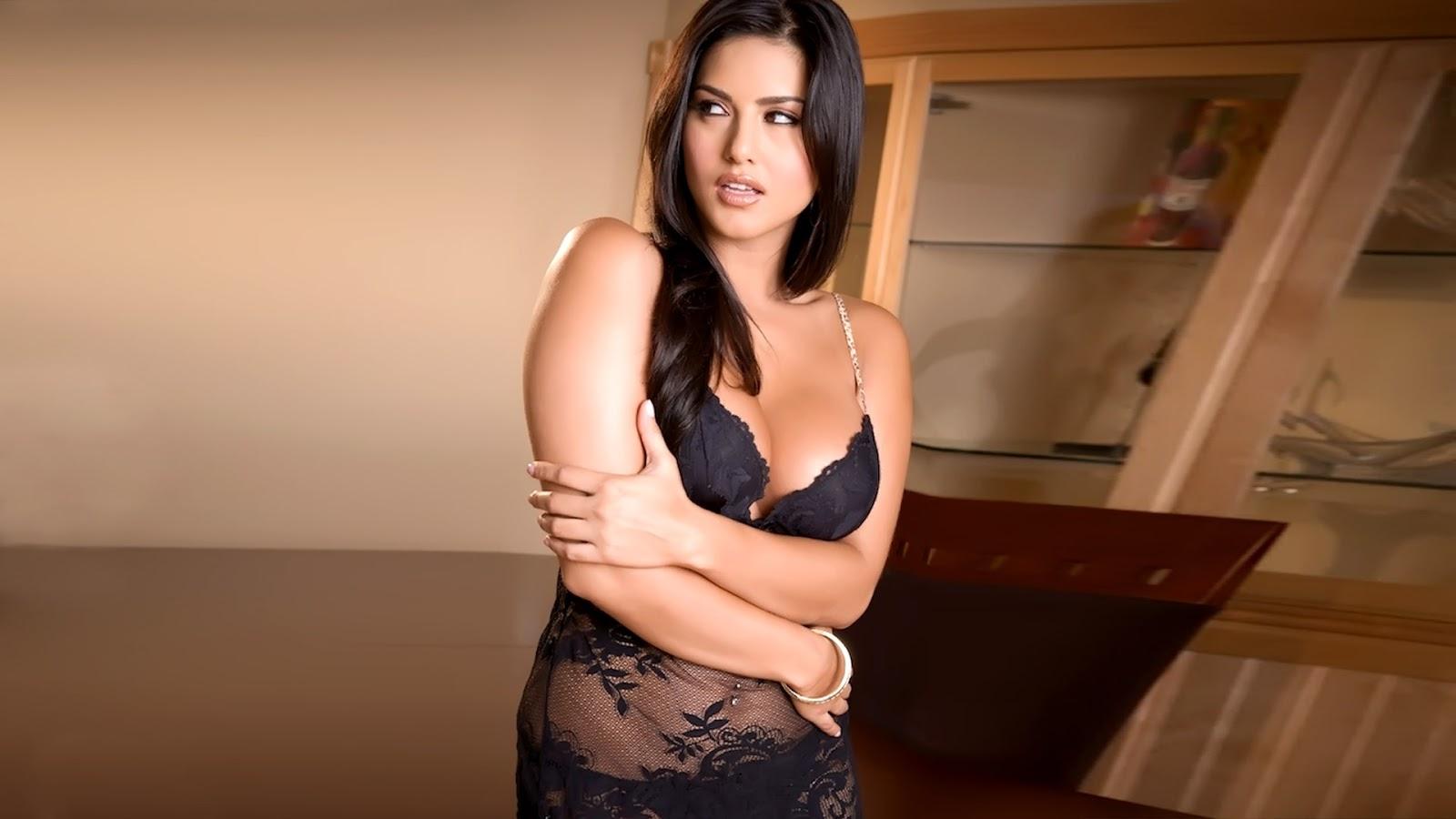 Zarine Khan Hottest Picture - Kiss,Sexy Videos,Bikini -2221