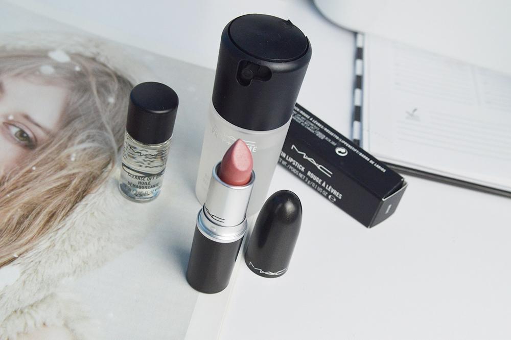 kosmetyki mac pomadka brave blog