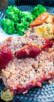 Easy Family Favorite Meatloaf_menumusings.com