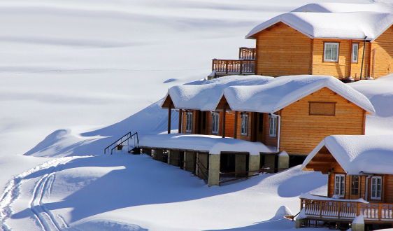 Auli images of heavy snowfall