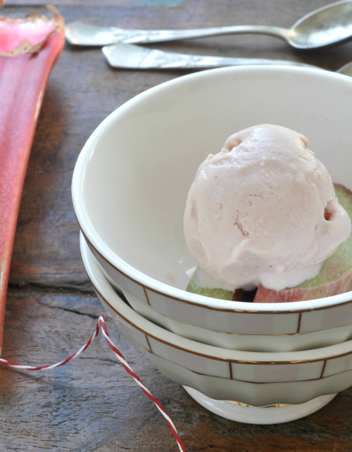 Rhubarb-Ice Cream with Sour Cream, a refreshing treat for those hot days in summer