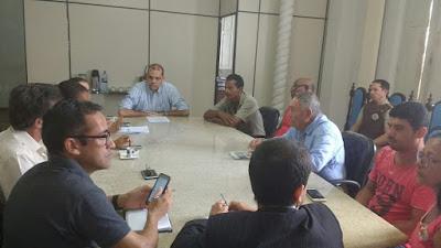 SAJ: Ocupantes do terreno de Fernando do Ouro são recebidos na Prefeitura Municipal