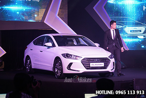 Hyundai Elantra 2016 giá bao nhiêu?