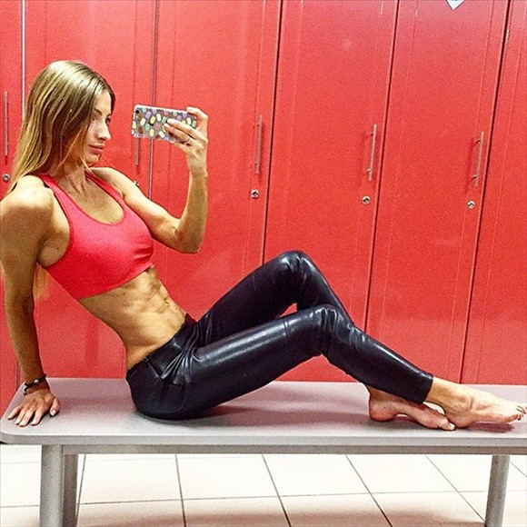 Fitness Model Sveta @100_sv Instagram photos