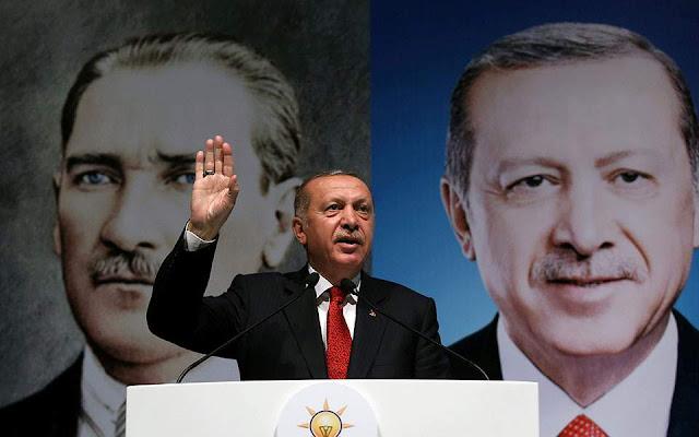 Ερντογάν προς ΗΠΑ: Η Τουρκία γονατίζει μόνο στον Θεό