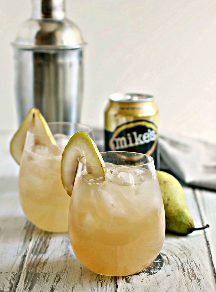 Bourbon Pear Lemonade