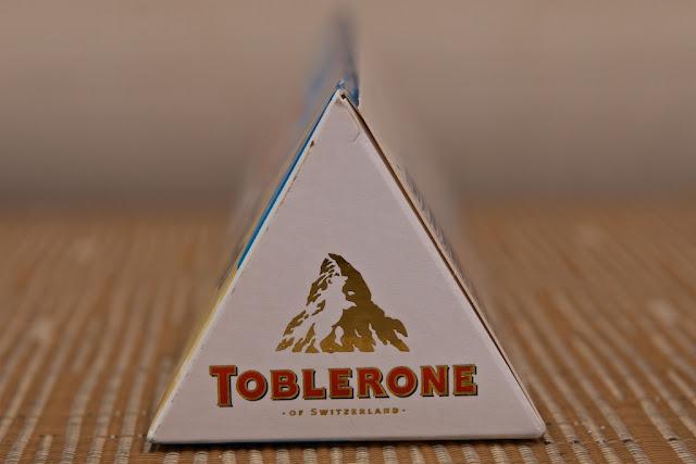 Toblerone Blanc - Chocolat blanc - amandes - nougat - miel - Christmas - Honey - Toblerone White - Almonds - Noël