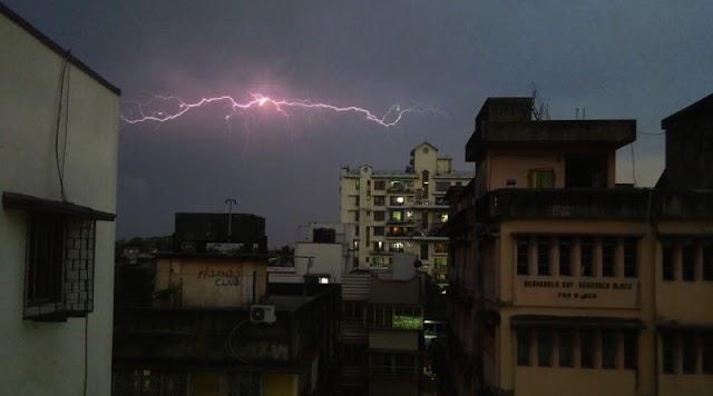 ভোররাতে কালবৈশাখী, লণ্ডভণ্ড দশা শহর কলকাতার
