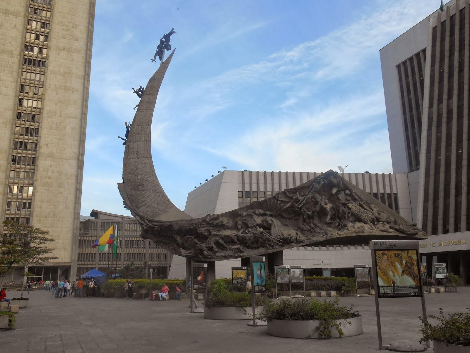"""Una foto de la escultura """"Monumento a la raza"""", de Rodrigo Arenas Betancourt, tomada por Leonardo Bernal Tobón"""