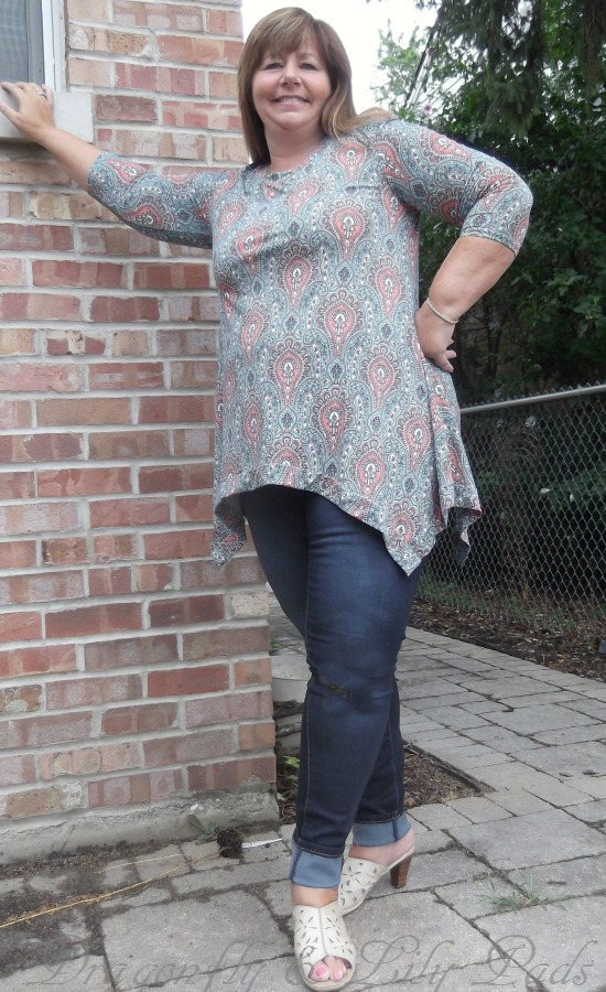 Late summer look with Shaper, Pretty Corral and Turquoise top, Jeans, and dark wash jeans