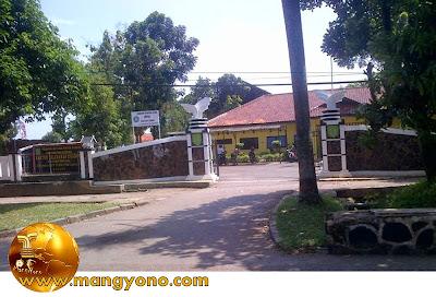 FOTO : Kantor Kelurahan Cigadung, Kecamatan Subang. Foto jepretan Agil MJ.