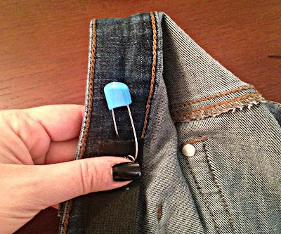 DIY πως να στενέψεις το παντελόνι σου χωρίς ραπτομηχανή