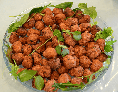 Hot chicken meatballs with pomegranate
