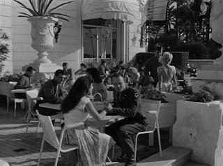 Cenizas bajo el sol (1958) Kings Go Forth, descargar y ver online en español y vose. Película de la Segunda Guerra Mundial dirigida por Delmer Daver con Frank Sinatra, Tony Curtis, Natalie Wood, Karl Swenson, Leora Dana, Ann Codee, Eddie Ryder, Jacques Berthe.