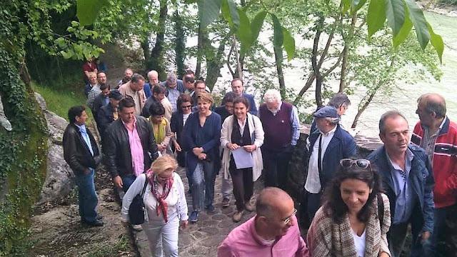 Όλγα Γεροβασίλη: Με τη Λυδία Κονιόρδου στην ιστορική Γέφυρα Πλάκας