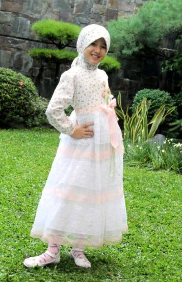 Gambar Baju Gaun Muslim Untuk Anak Perempuan