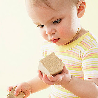 Atividade para desenvolvimento de coordenação motora em Bebês