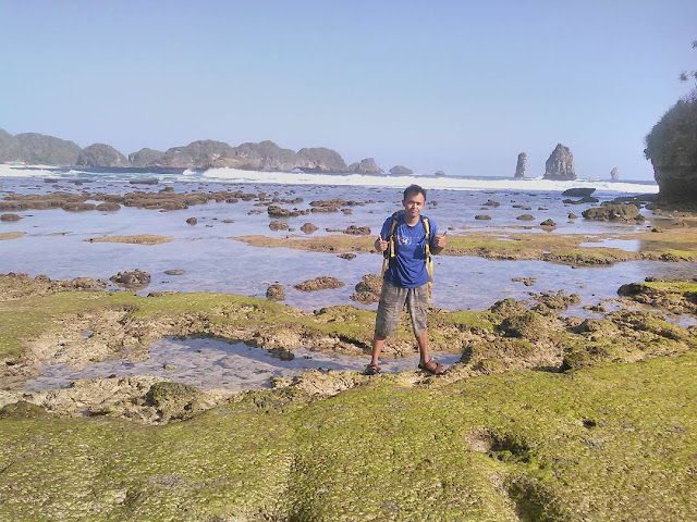 Lanskap Indah Objek Wisata Pantai Savana Malang