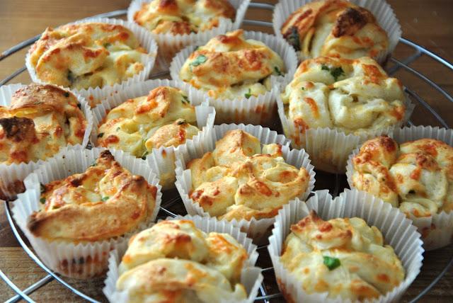 Käse-Knoblauch-Muffins zum Snacken