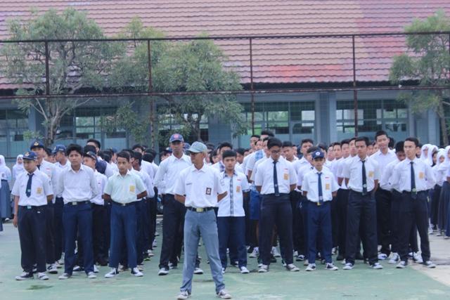 Hari Pertama Sekolah di SMAN 27 Bandung
