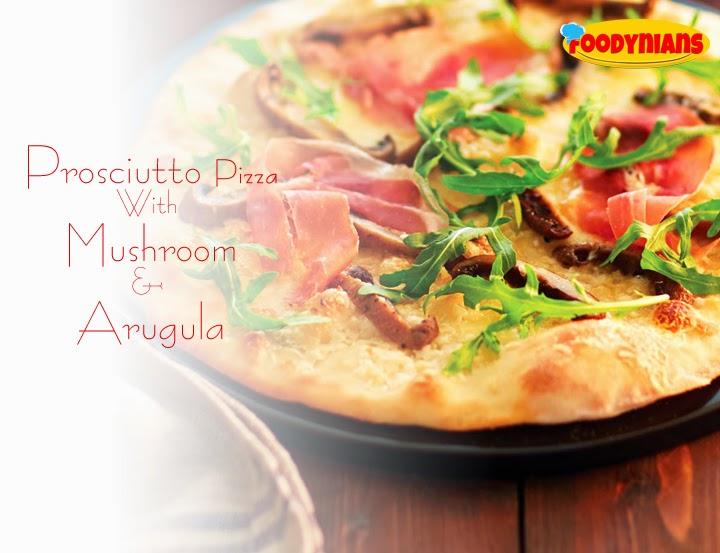 prosciutto-pizza-with-mushroom-arugula