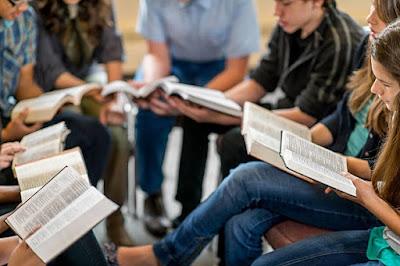 advantages internet in education