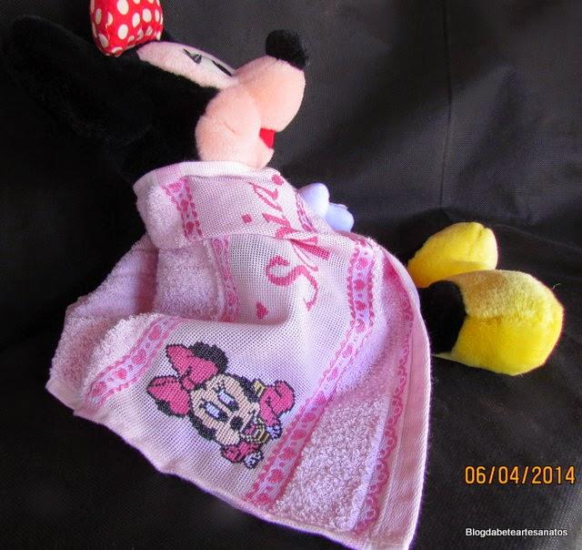 Toalha Infantil Personalizada com Bordado em Ponto Cruz